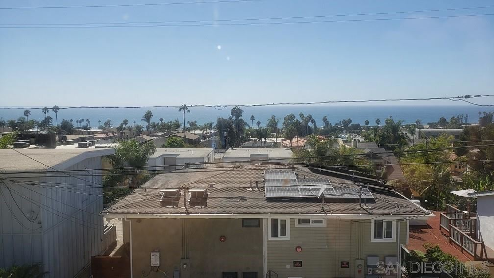 Photo of 2166 OXFORD AVE #2, Cardiff By The Sea, CA 92007 (MLS # 210020958)