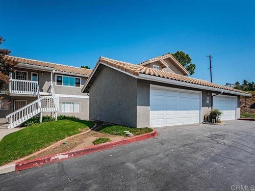 Photo of 1370 Palomar Pl, Vista, CA 92084 (MLS # NDP2110963)