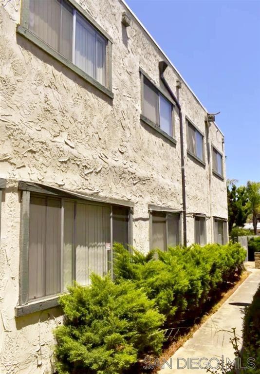 Photo of 705-4 Windsor Ct., Vista, CA 92084 (MLS # 200044963)