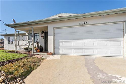 Photo of 1143 Hackamore Road, Vista, CA 92083 (MLS # 210026968)