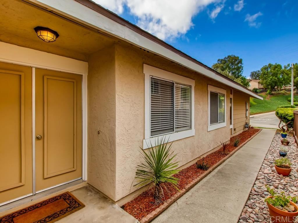 Photo of 2311 Amber Ln, Escondido, CA 92026 (MLS # 200030976)