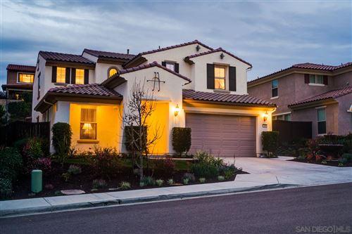 Photo of 529 Adobe Estates Dr, Vista, CA 92083 (MLS # 210001984)