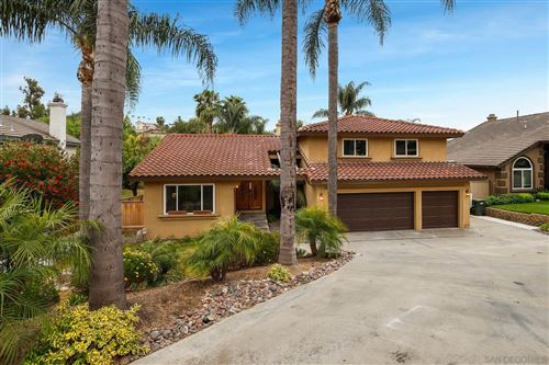 Photo of 1409 Chestnut Ln, Vista, CA 92084 (MLS # 210012985)