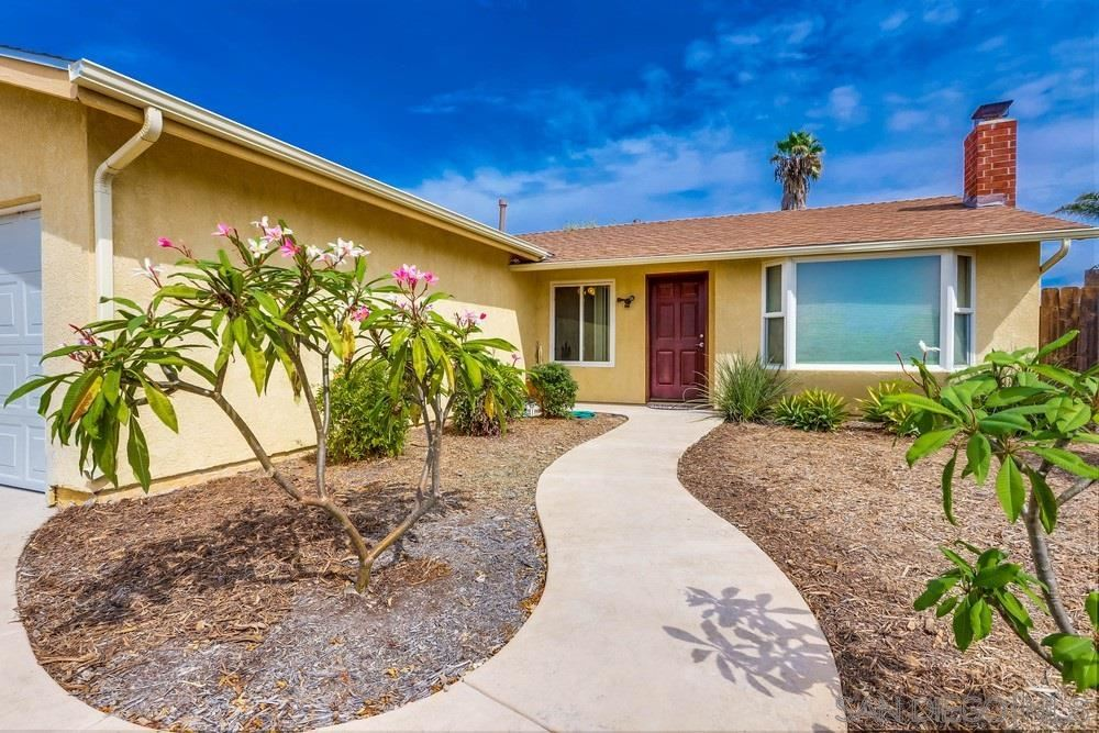 Photo for 11389 Clearspring Rd, San Diego, CA 92126 (MLS # 200047985)