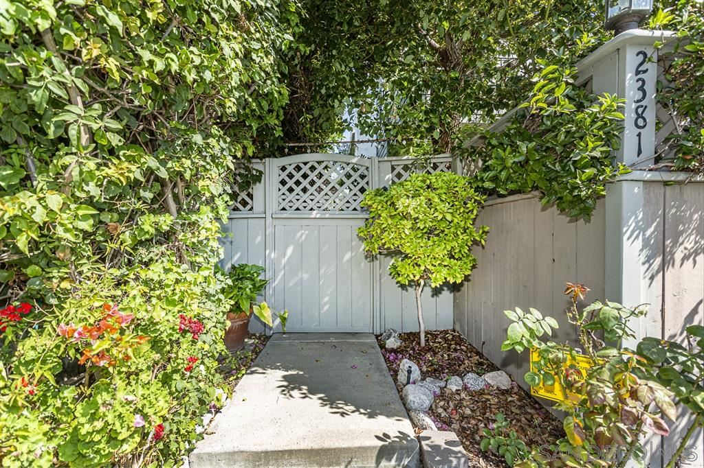 Photo of 2381 Oxford Avenue, Cardiff by the Sea, CA 92007 (MLS # 200010986)