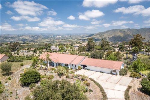 Photo of 1466 Java Hills, Fallbrook, CA 92028 (MLS # 200021989)