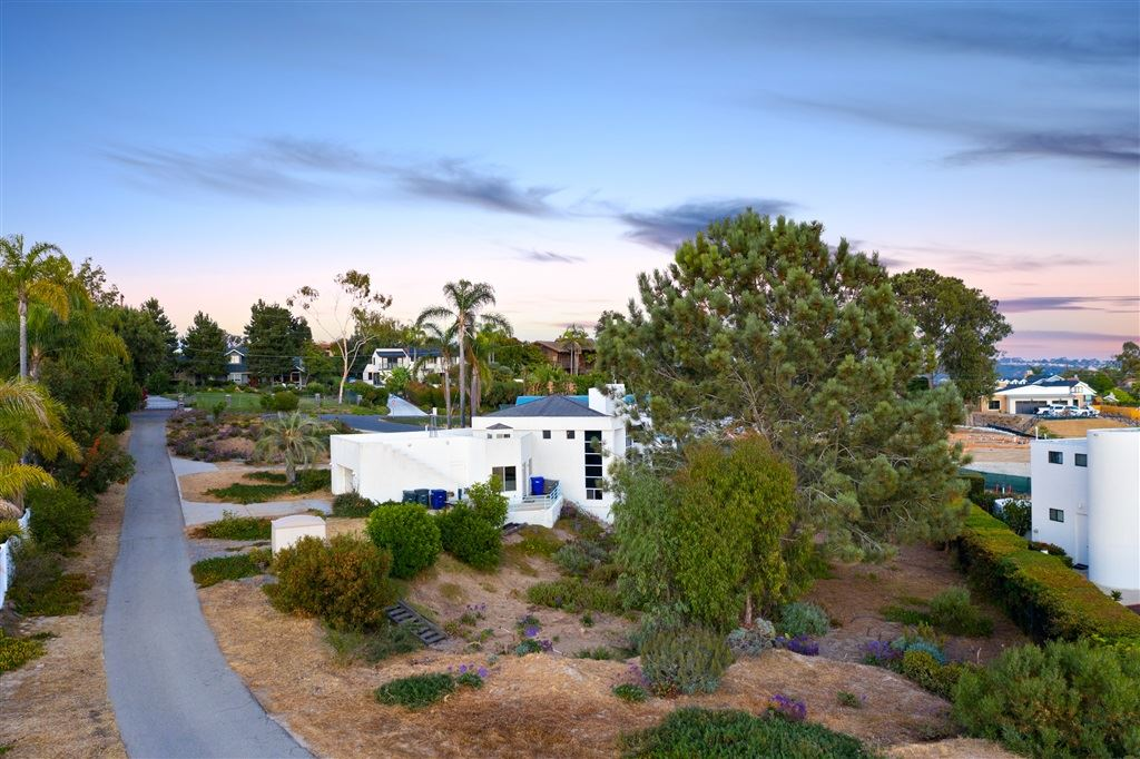 Photo of 731 Avocado Place, Del Mar, CA 92014 (MLS # 200030994)