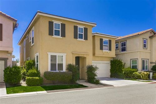 Photo of 427 Swansea Gln, Escondido, CA 92027 (MLS # 190054998)