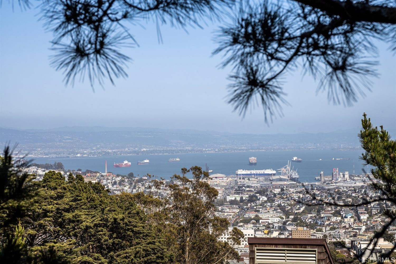 55 Red Rock #107, San Francisco, CA 94131 - #: 421539080