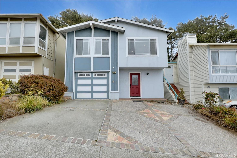 1077 Skyline Drive, Daly City, CA 94015 - #: 421558892