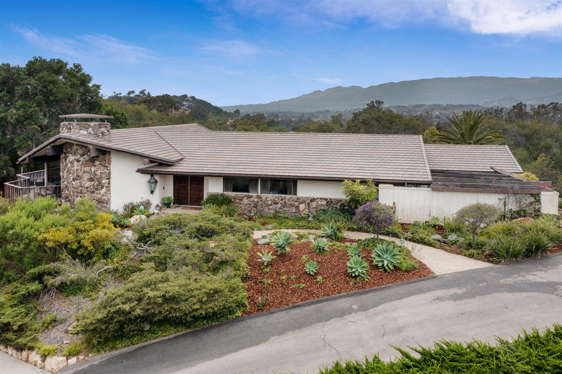 4004 Via Laguna, Santa Barbara, CA 93110 - MLS#: 21-2849