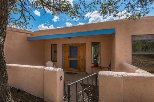 Photo of 105 Cibola Circle, Santa Fe, NM 87505 (MLS # 202002008)