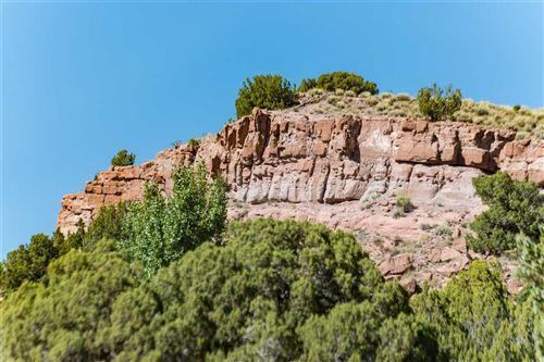 Photo of 48-B Rainbows End, Santa Fe, NM 87010 (MLS # 202003042)