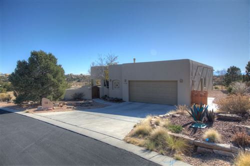 Photo of 18 Arroyo Ridge, Santa Fe, NM 87508 (MLS # 201905049)