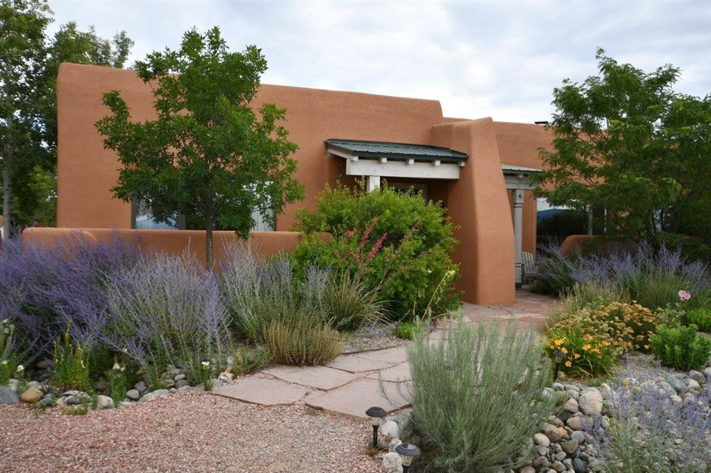 Photo for 8 Cresta de la Luna #Unit 5, Taos, NM 87571 (MLS # 201904097)