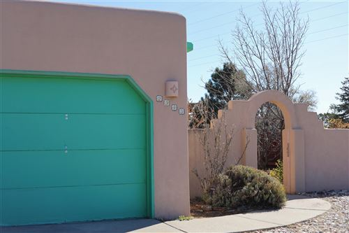 Photo of 2943 CAMINO PIEDRA LUMBRE, Santa Fe, NM 87505 (MLS # 201905098)