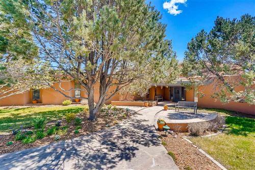 Photo of 10 E Old Agua Fria Rd, Santa Fe, NM 87508 (MLS # 202102102)