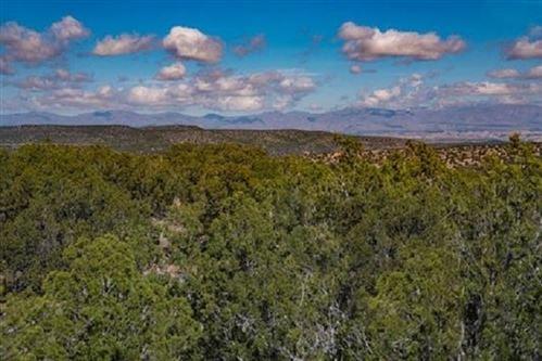 Photo of 30 Via Del Caballo (Tesoro Enclave, Lot 118), Santa Fe, NM 87506-8559 (MLS # 201904149)