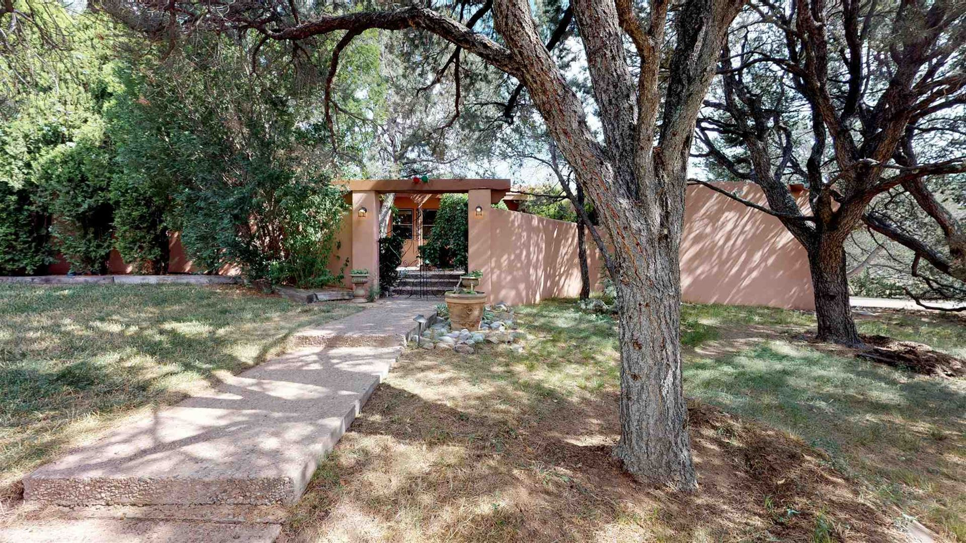 Photo for 24 General Sage, Santa Fe, NM 87505 (MLS # 201904159)