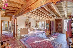 Photo of 39 Burro Bend Road, Santa Fe, NM 87505 (MLS # 201900168)