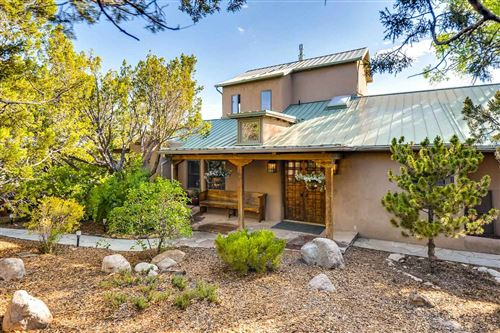 Photo of 19 Tesuque Hill Road, Santa Fe, NM 87506 (MLS # 201901176)