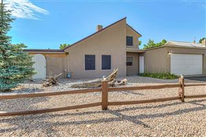 Photo of 1089 Willow Way, Santa Fe, NM 87507 (MLS # 201904198)