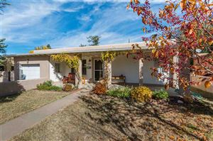 Photo of 525 Calle Lucero, Santa Fe, NM 87505 (MLS # 201805225)
