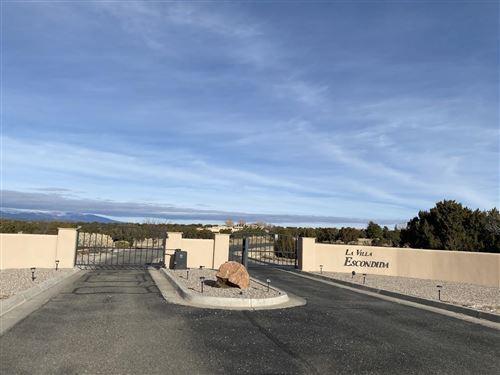 Photo of 37 Calle Hacienda, Santa Fe, NM 87506 (MLS # 201905242)