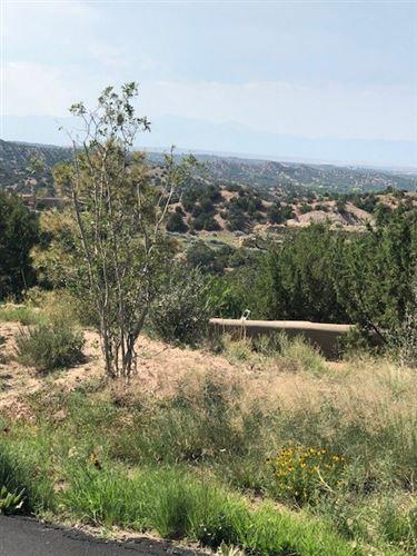 Photo of 10 Lodge Circle, Santa Fe, NM 87105 (MLS # 201804284)