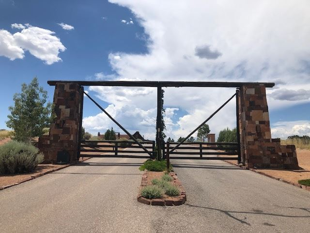 Photo for 2 CAMPO DE LA VEGA, Santa Fe, NM 87506 (MLS # 201903309)