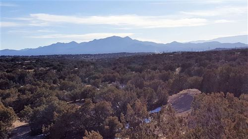 Photo of 1 Dos Lobos Loop, Santa Fe, NM 87508 (MLS # 202000312)
