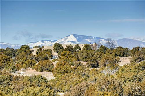 Photo of 21 STRAWBERRY, Santa Fe, NM 87506 (MLS # 202000327)