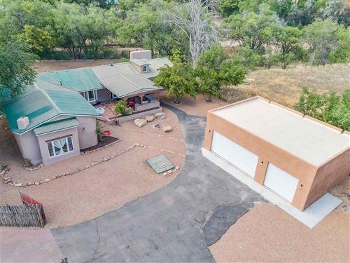 Photo of 2 ARBOL GRANDE, Santa Fe, NM 87506 (MLS # 202000330)