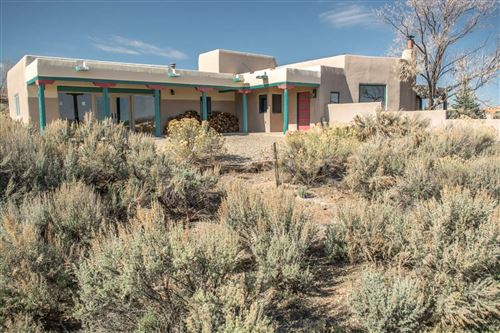 Photo of 70 Irish Road, Ranchos de Taos, NM 87557-0000 (MLS # 202001342)