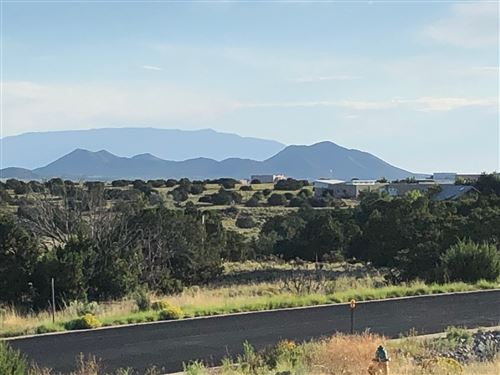 Photo of 9 S. Arroyo Ridge, Santa Fe, NM 87508-1365 (MLS # 202000392)