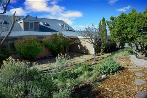 Photo of 10 Prairie Vista Place, Santa Fe, NM 87508 (MLS # 202001398)
