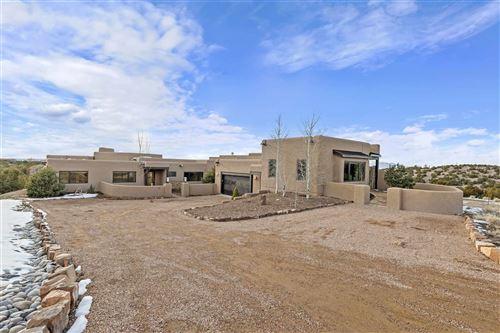 Photo of 17 Via Diamante, Santa Fe, NM 87506 (MLS # 202000430)