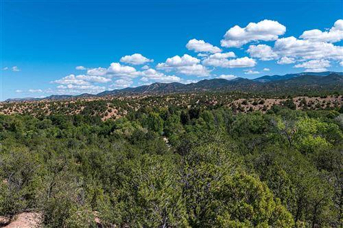 Photo of 4 Via Vecino, Santa Fe, NM 87506 (MLS # 202000444)