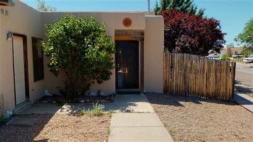 Photo of 4420 Rosalinda, Santa Fe, NM 87507 (MLS # 202002451)