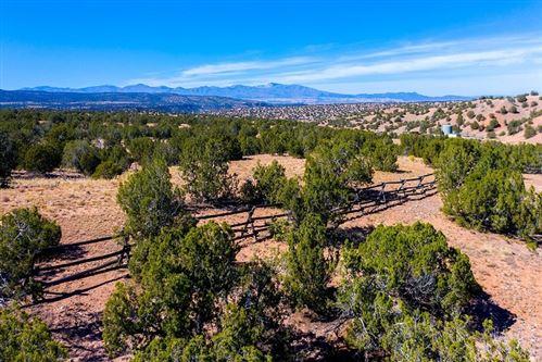 Photo of 70 Via Del Caballo (Tesoro Enclave, Lot 128), Santa Fe, NM 87506-8559 (MLS # 201905461)