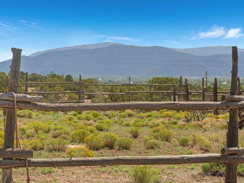 29 Vereda Corta, Santa Fe, NM 87507 - #: 202003532