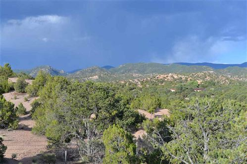 Photo of 20 Cerro de Palomas, Santa Fe, NM 87506 (MLS # 202000588)