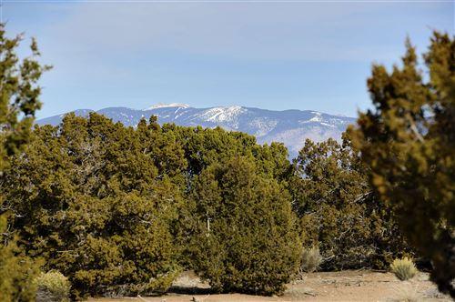 Photo of 2 Calle Gonzales Lot 42, Santa Fe, NM 87506 (MLS # 202001600)