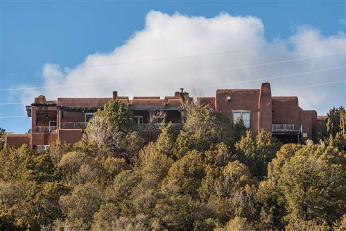 Photo of 1677 Cerro Gordo Road #18, Santa Fe, NM 87501 (MLS # 202000620)