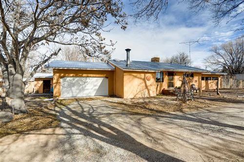 Photo of 47 County Rd. 41, Alcalde, NM 87511 (MLS # 202000637)