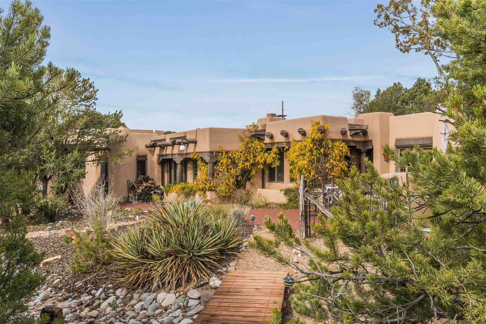 1304 Lejano Lane, Santa Fe, NM 87501 - #: 201901658