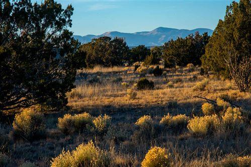 Photo of 38 Entrada Descanso, Santa Fe, NM 87506 (MLS # 202002679)