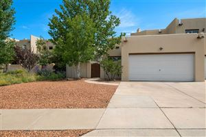 Photo of 3142 La Paz Lane, Santa Fe, NM 87507 (MLS # 201903703)
