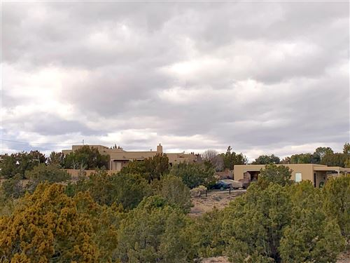 Photo of 11 Calle Nopalitos, Santa Fe, NM 87507 (MLS # 202000704)
