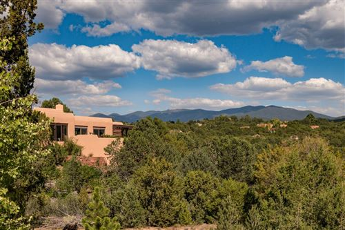 Photo of 913 Calle Vistoso, Santa Fe, NM 87501 (MLS # 202000710)